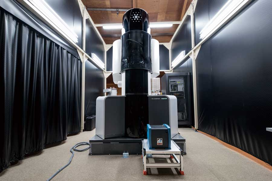 クライオ電子顕微鏡 (横浜キャンパス・中央NMR棟)